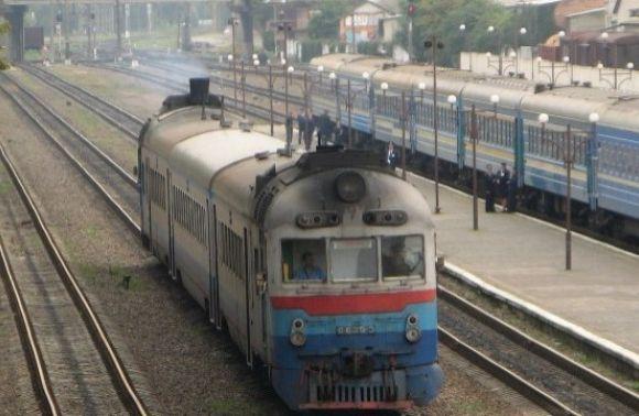 Залізниця тимчасово призупинить курсування поїзда Львів – Ужгород