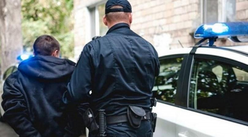 Патрульні затримали чоловіка, який вдарив жінку у громадському транспорті.