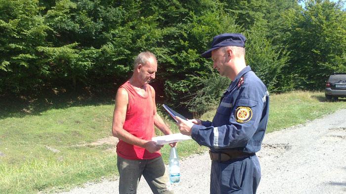 На Закарпатті рятувальники та лісники провели спільний рейд в Хусті та Ужгороді (фото)