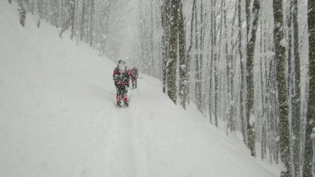 Досвідчені рятувальники та інструктори радять, що робити, аби не загубитися в горах, і як врятуватися в екстремальних умовах.