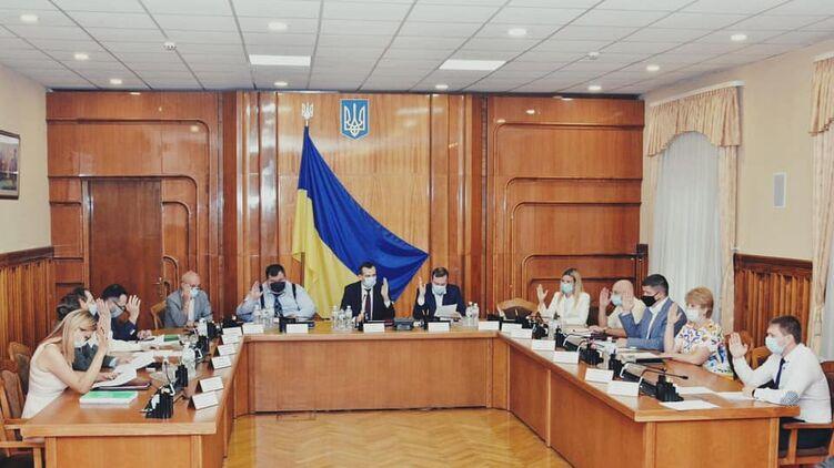 Банкова хоче провести рокіровку в ЦВК в переддень місцевих виборів.