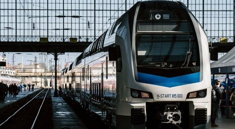 Згідно з офіційною інформацією MÁV, з 15 березня нові двоповерхові поїзди «Stadler KISS» почнуть курсувати по лінії Будапешт Ньюгаті-Цеглед-Сольнок (Budapest Nyugati-Cegléd-Szolnok).