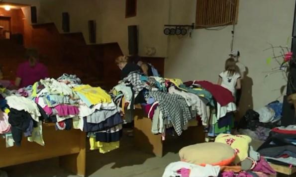 Благодійна акція з роздачі одягу та взуття всім потребуючим відбулася у м. Перечин.