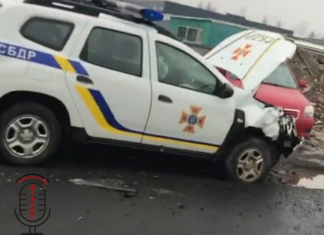 За участі автомобіля Служби безпеки дорожнього руху на Закарпатті трапилась дорожньо-транспортна пригода.