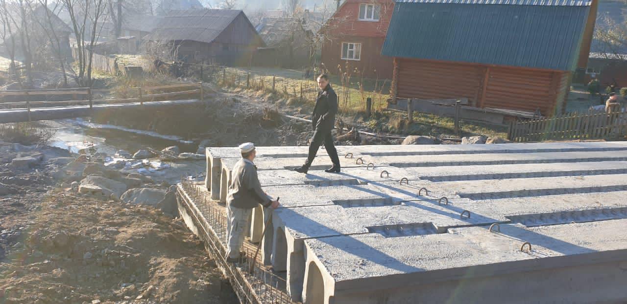 Нардеп Михайло Лаба прозвітував про ремонт мосту в Торуні.