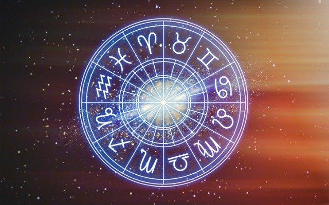 Гороскоп на сьогодні, 1 липня 2021 року, прогнозує Дівам активний день. Скорпіонам рекомендовано присвятити день плануванню.