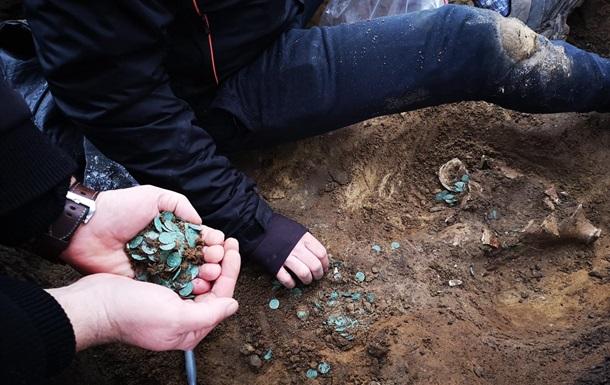 Археологи назвали знахідку найбільшим скарбом монет пізнього Середньовіччя, який коли-небудь був знайдений в окрузі Пешт.