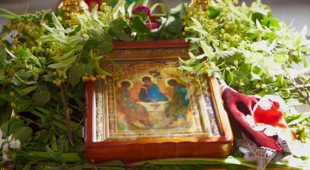 На католицьку Трійцю закарпатці отримають вихідний