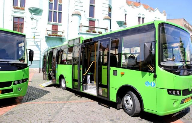 У Мукачеві посадові особи комунального підприємства розтратили майже 4,7 млн грн бюджетних коштів при закупівлі міських автобусів.