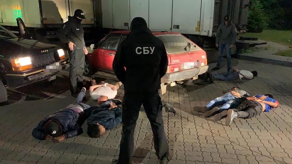 Співробітники Служби безпеки України блокували у Закарпатській області протиправну міграцію іноземців за кордон.