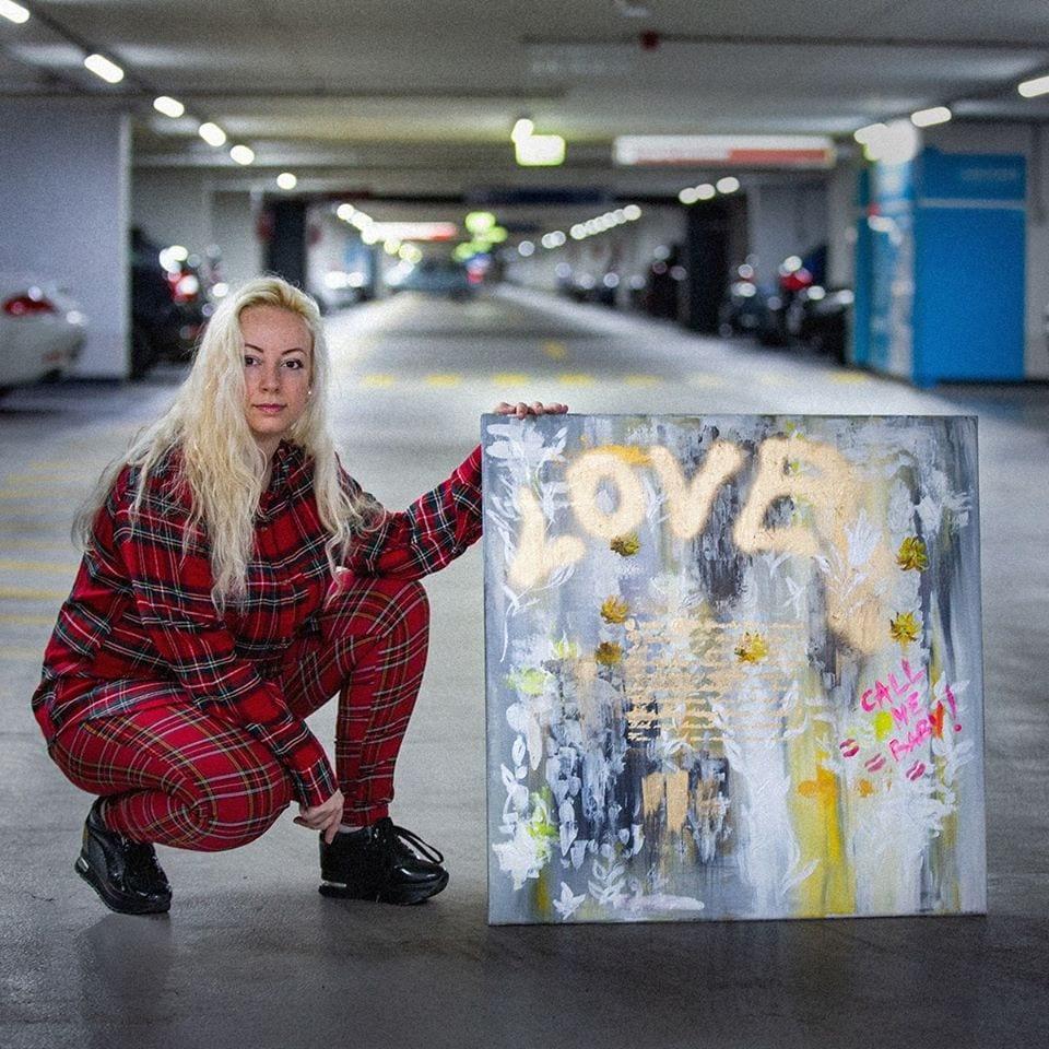 Картины талантливой жительницы областного центра Закарпатья уехали в США.