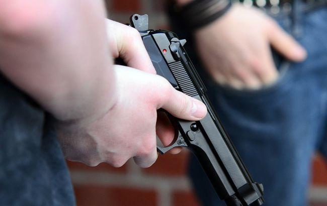 Сьогодні, 1 квітня, близько 15.50, до поліції надійшло повідомлення, що в с.Великі Лучки Мукачівського району лунають постріли.
