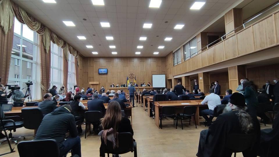 Депутати міської ради шляхом таємного голосування обрали секретаря. Ним став Андрій Риба.