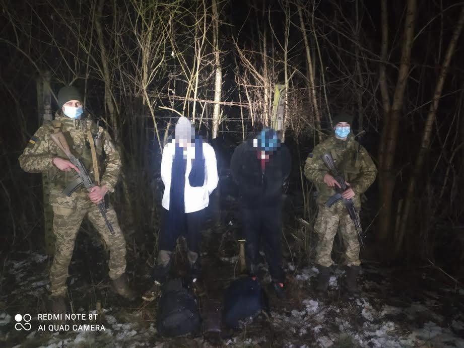 Учора ввечері на Закарпатті прикордонники відділу «Лужанка» Мукачівського загону затримали нелегальних мігрантів з Індії.