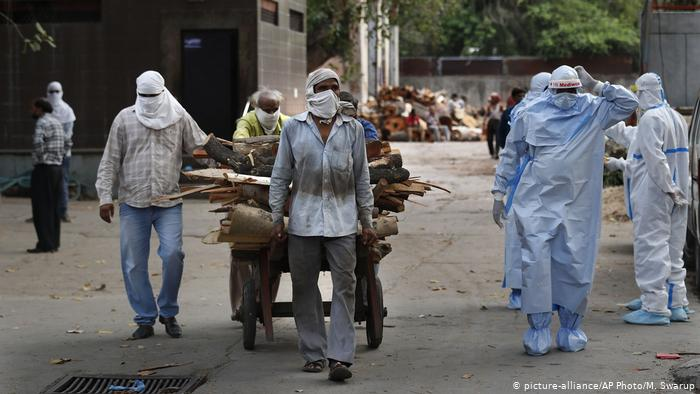 Україна надасть гуманітарну допомогу Індії на тлі постійних антирекордів захворюваності на COVID-19 в цій країні.