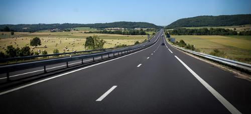 Президент доручив провести декілька заходів, спрямованих на поліпшення дорожньої інфраструктури в країні.