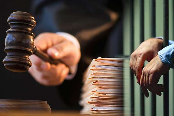Вироком Тячівського районного суду 24-річного мешканця с. Великий Бичків засуджено до 10 років позбавлення волі за вчинення умисного вбивства на території одного з місцевих кафе (ч. 1 ст. 115 ККУ)