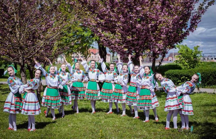 Вихованки колективу посіли II місця у номінації «народна хореографія» у двох вікових категоріях - В (10-12 років) та С (13-15 років).