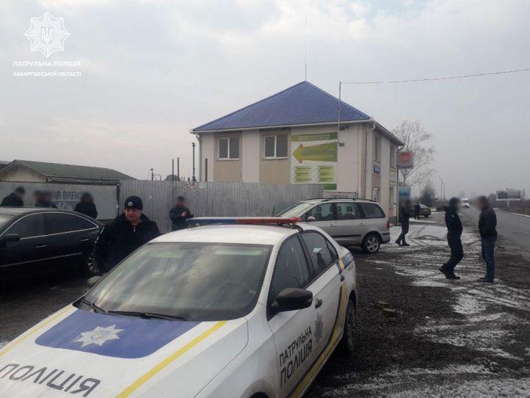 Робоча група здійснила виїзди та обстежила місця можливого розташування нелегальних автозаправних станцій на території Ужгородського та Мукачівського районів.