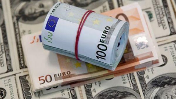 За три місяці українські заробітчани перевели з Польщі $800 млн