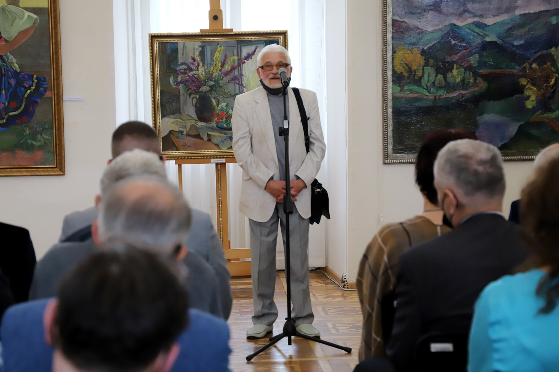 Виставка присвячена 130-ій річниці з дня народження знаного художника-живописця, педагога, культурного діяча, одного з фундаторів закарпатської школи живопису.