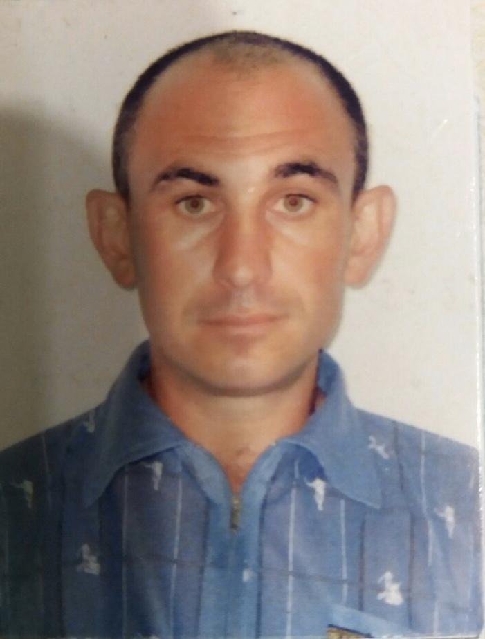 Поліція Берегівщини встановлює місцезнаходження 42-річного Василя Серкі, який наніс собі тілесні ушкодження та зник у невідомому напрямку.