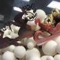 «Свято наближається»: ужгородський кондитер створив святкову солодку композицію (ФОТО)
