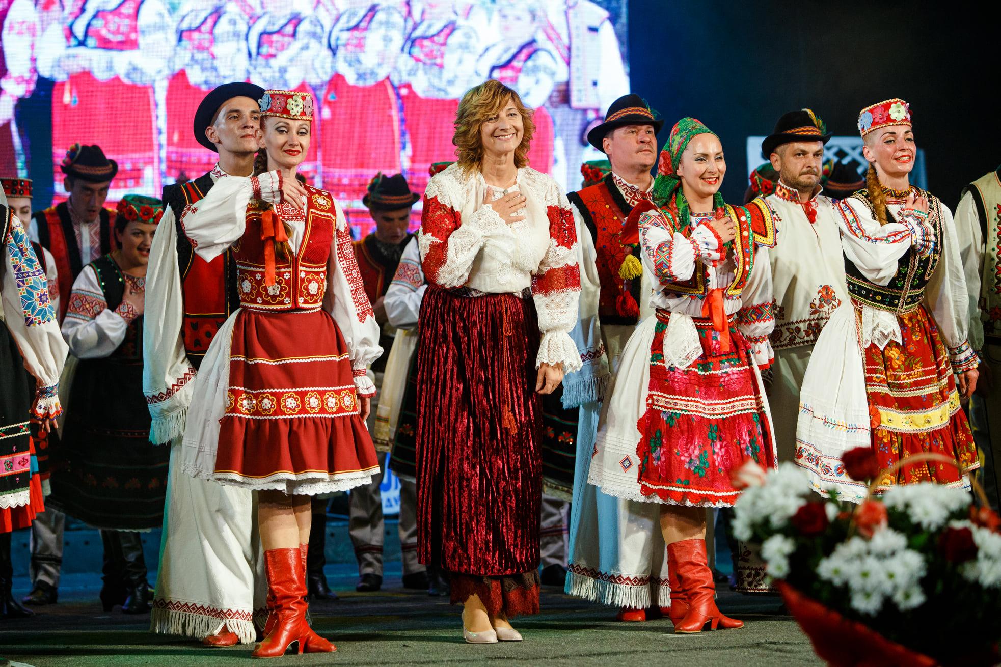 Концерт Закарпатського народного  хору, запланований на 28 лютого, перенесено.
