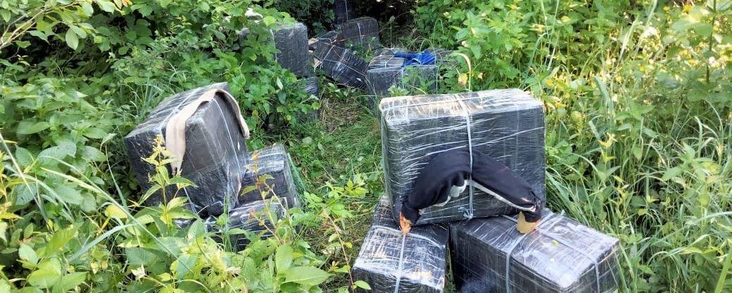 12 тисяч пачок сигарет без акцизних марок планували переправити контрабандисти через кордон України у Румунію.