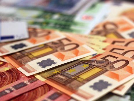 Офіційний курс гривні до долара та євро 31 грудня не змінився.