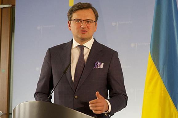 Глава МЗС Дмитро Кулеба заявив, що Угорщина надіслала Україні сигнал про готовність відновити конструктивний діалог після напруги у відносинах цього місяця.