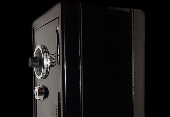 В Оноку на Виноградівщині невідомі викрали з приватного обійстя сейф із грошима, коштовності та мобільник