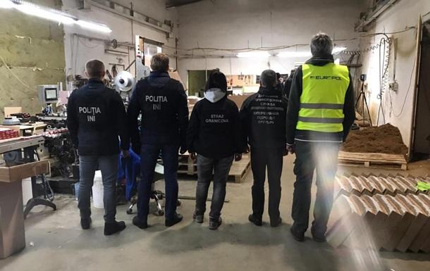 У Польщі виявили підпільну тютюнову фабрику з персоналом з України