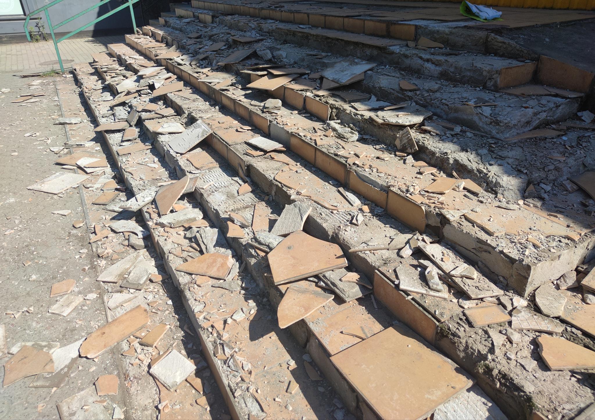 Зробили це роми через 5 кг алюмінієвих кутників, вартість яких на лівацьких металобрухтах складатиме біля 120 грн.