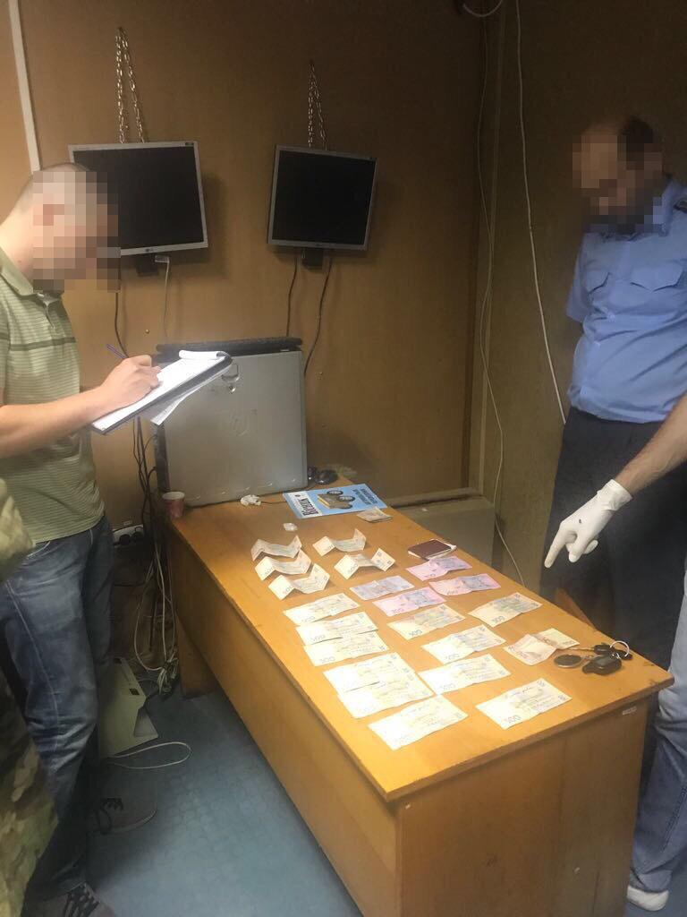 Вироком Виноградівського районного суду визнано винним вже колишнього заступника начальника митного посту