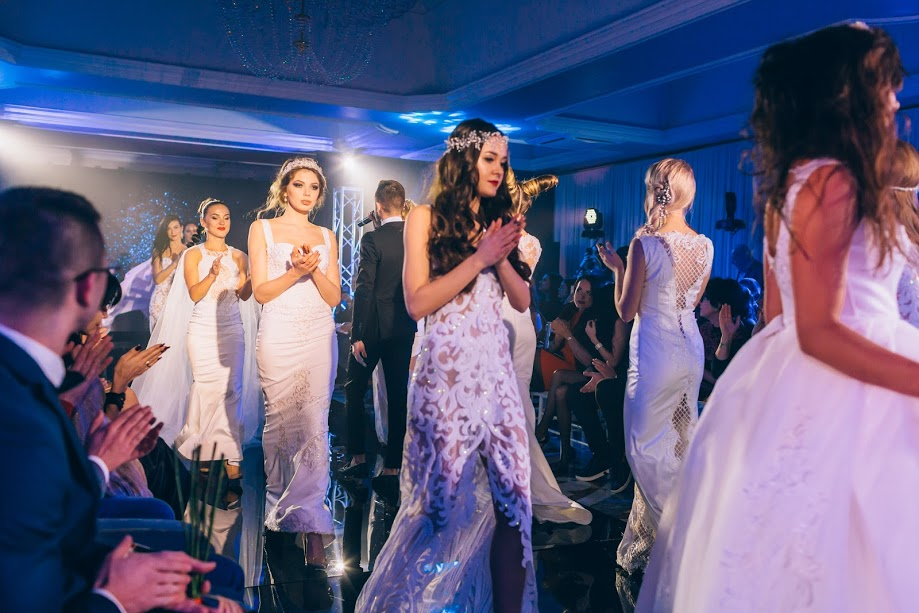 Мода заради життя: на благодійному показі мод дизайнерки Роксолани Новак зібрали майже 100 тис грн