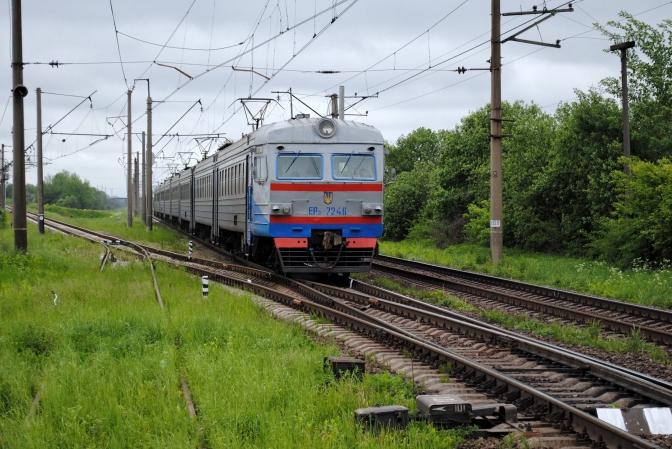 У зв`язку з виконанням ремонтних робіт на об'єктах інфраструктури зазнає тимчасових змін розклад руху приміських поїздів, що курсують територією регіональної філії «Львівська залізниця».