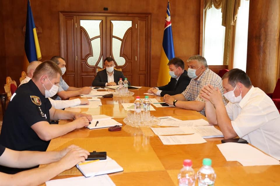 Голова Закарпатської ОДА провів засідання оперативного штабу регіональної комісії з питань техногенно-екологічної безпеки та надзвичайних ситуацій.