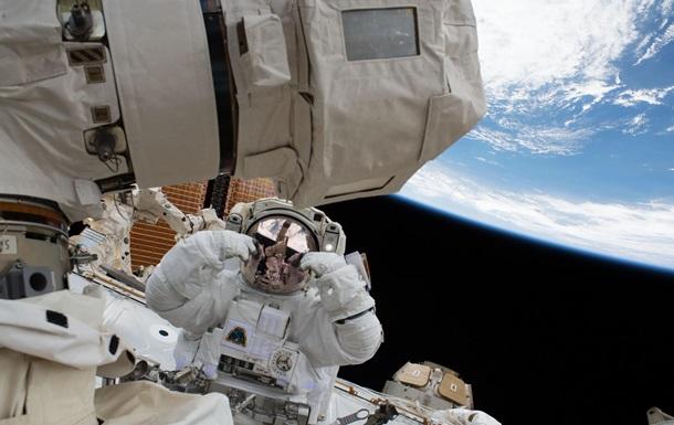 Постійний житловий модуль на поверхні супутника Землі буде вміщати одночасно до чотирьох осіб.