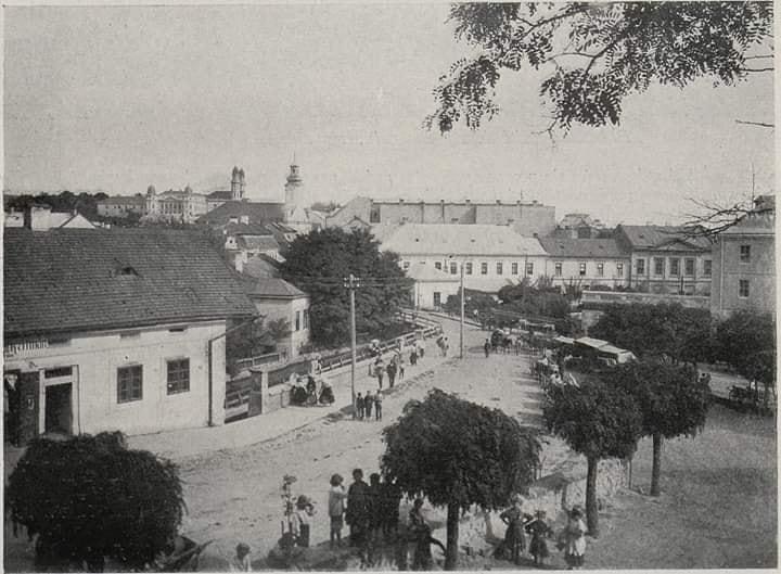 Вид на Малий Уж та млин від жупанату на світлині 1907 року.