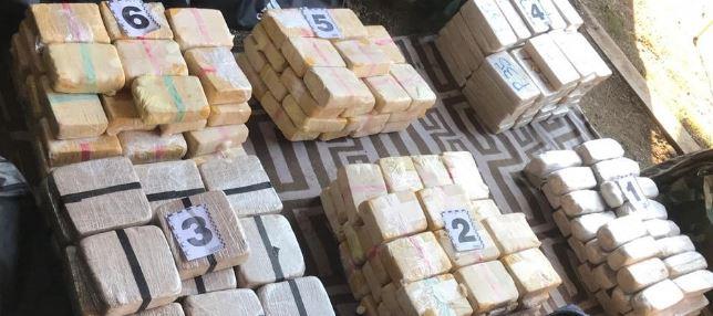 Прокуратура Закарпатської області затвердила обвинувальний акт стосовно трьох учасників ОЗГ, які контрабандою спробували переправити до країн Європи майже 207 кг героїну.