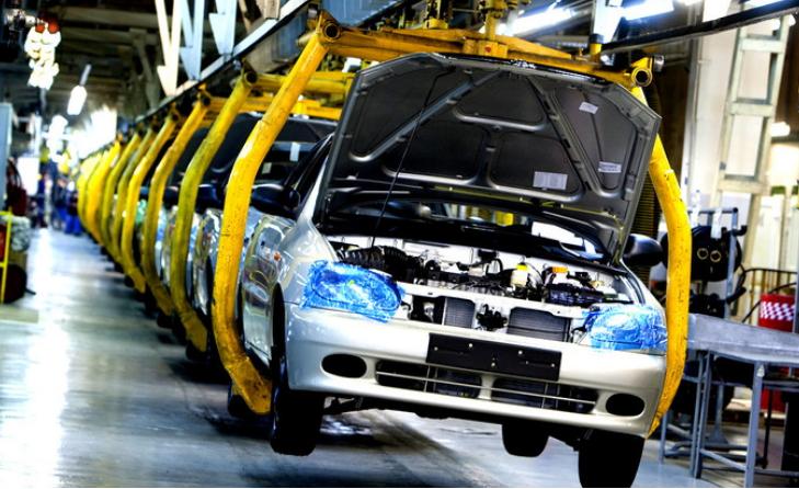 Легковий підрозділ національного автопрому закінчив місяць падінням більш ніж на третину відносно березня 2018 року — 442 штуки.