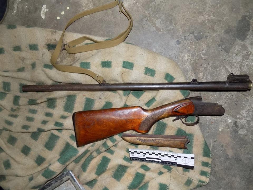 Хустські правоохоронці встановлюють обставини замаху на вбивство жінки.