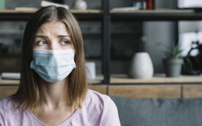 За будь-яких ознак гострих вірусних захворювань треба телефонувати до амбулаторії або до свого сімейного лікаря