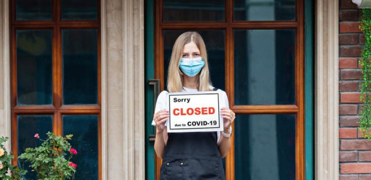 Через різке збільшення кількості хворих на коронавірус заклади громадського харчування та розваг призупинять роботу.