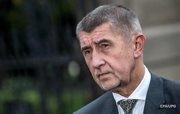Бабіш також відкинув запевнення місцевих ЗМІ, що президент Чехії Мілош Земан реалізує в Республіці російські інтереси.