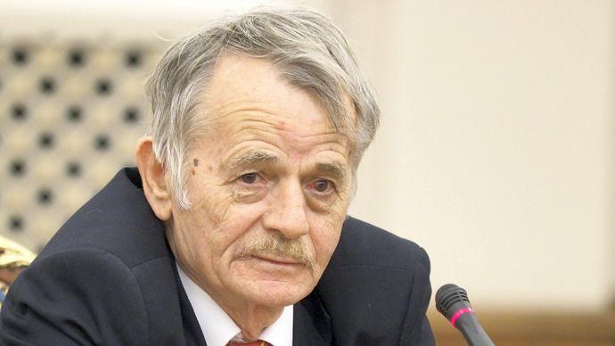 Лидер крымскотатарского народа Мустафа Джемилев получил награду министра иностранных дел Чехии Томаша Петричека медалью «За заслуги перед дипломатией».