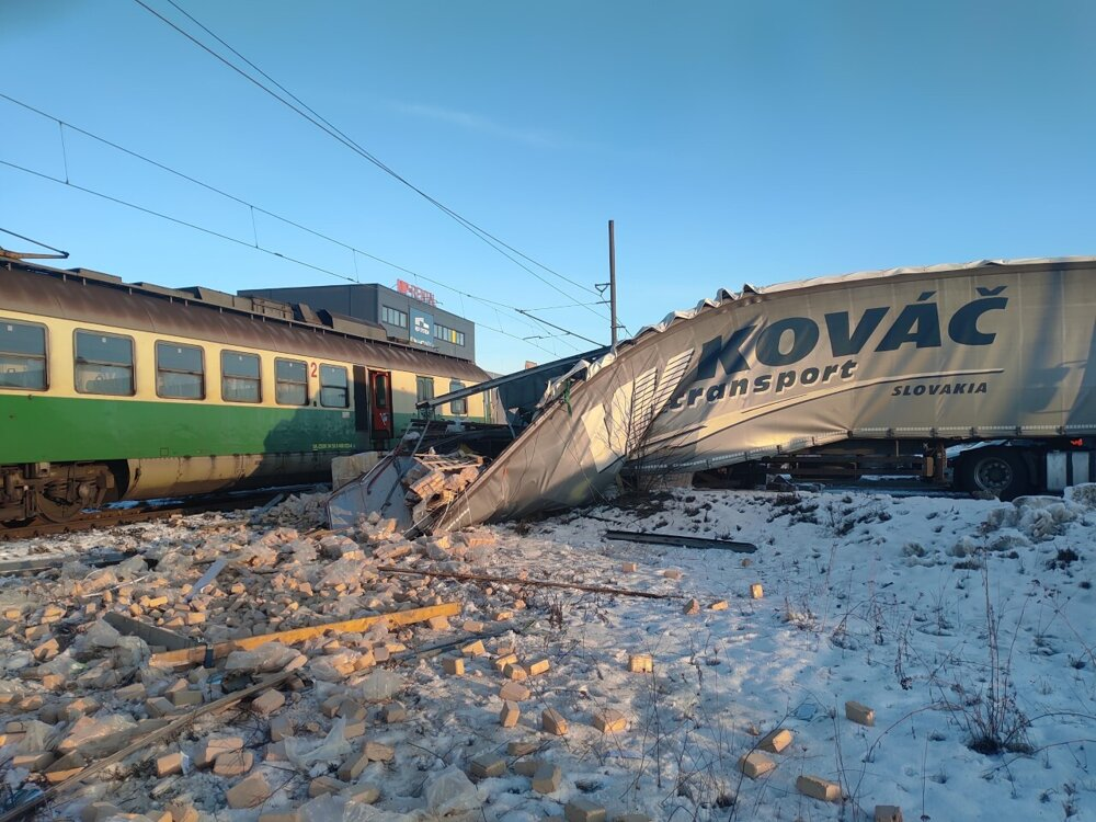 На щастя, ніхто не постраждав. Загальні збитки від аварії становлять близько 15 тисяч євро.