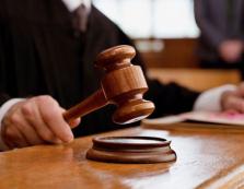 Закарпатку, яка до смерті забила рідну матір, засудили до 8 років тюрми
