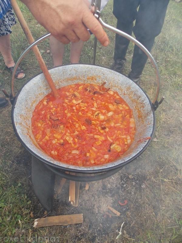 У берегівській Чомі демонстрували як готувати смачне лечо.